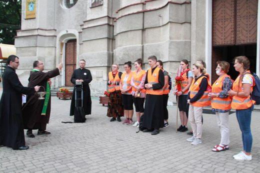 Grupa 14 C wyrusza na XL Piesza Podlaska Pielgrzymka na Jasną Górę.